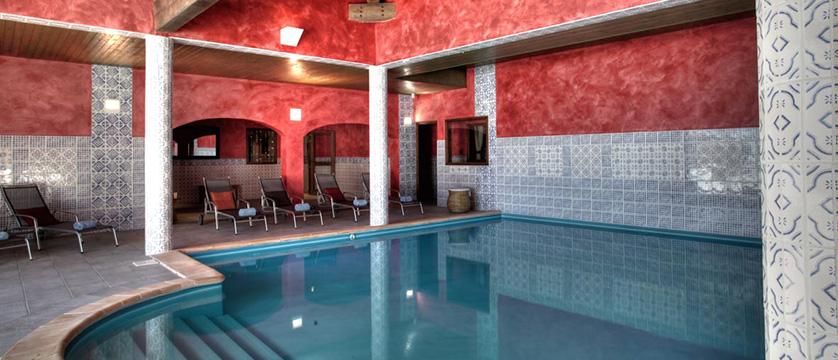Village Montana indoor pool